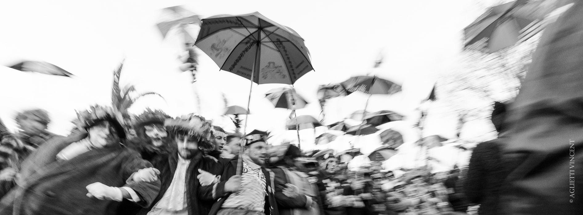 Bandeau du site camera-singulier, premiére ligne du carnaval de Dunkerque réalisé par Vincent Aglietti