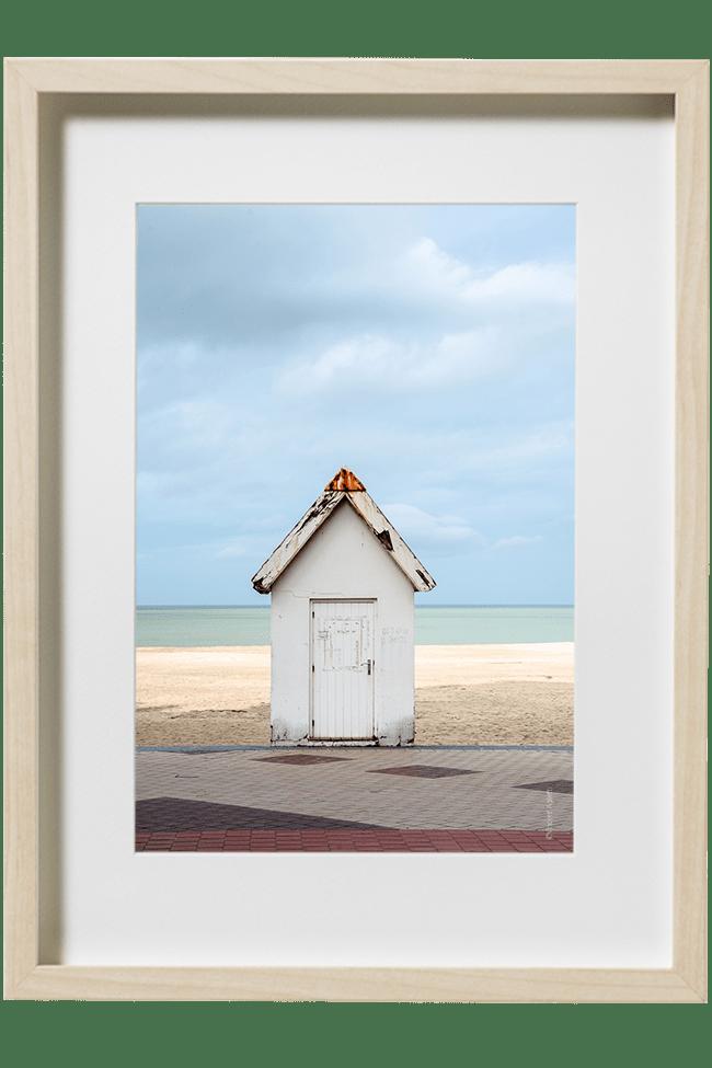 Maisonette sur les bords de la plage de knokke le zoute.Une superposition de couleur du trottoir à l'horizon.