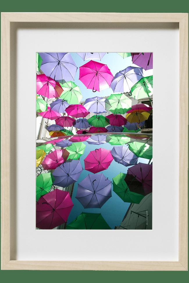 Averse, Une pluie de Parapluie. Décor Urbain