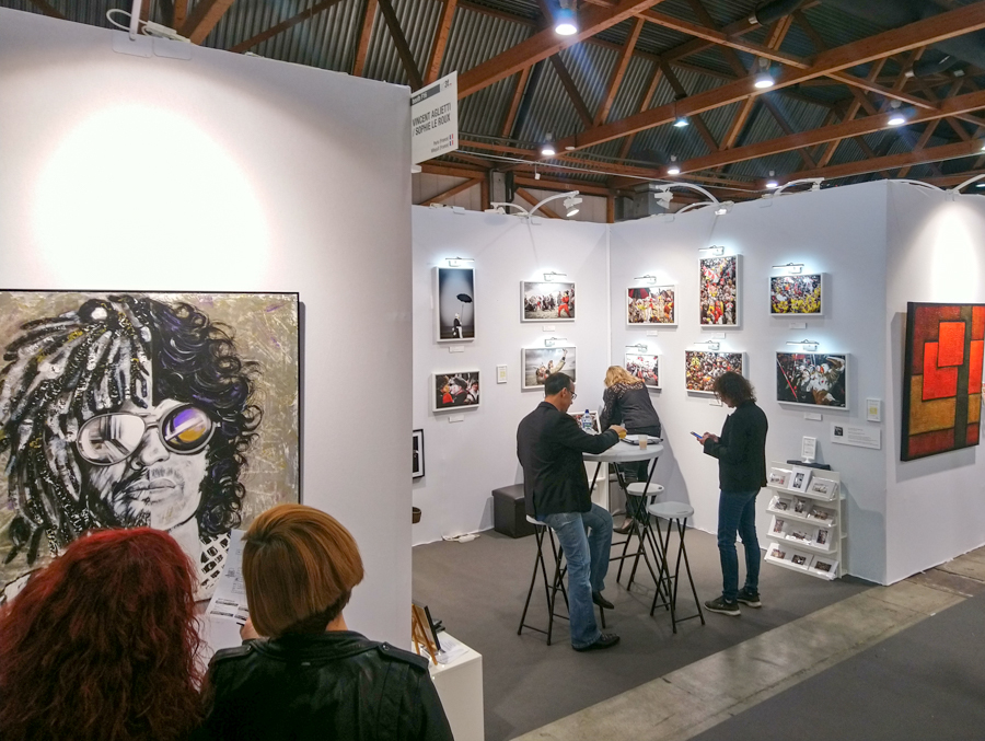 La dream team se met en place pour accueillir les visiteurs du salon ART3F de Bruxelles