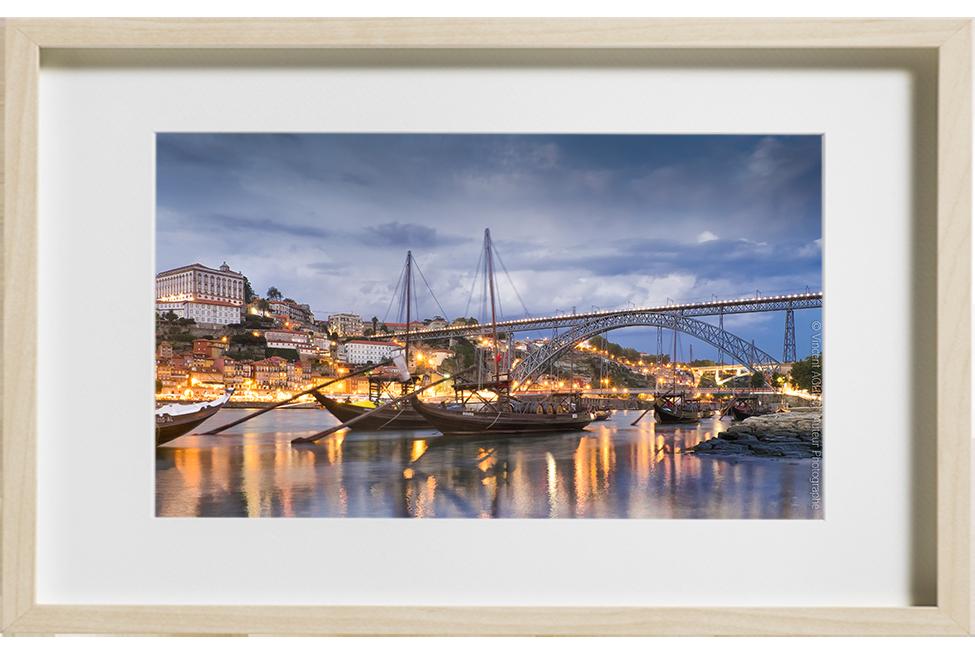 Les bateaux du port de Porto sont ancrés.