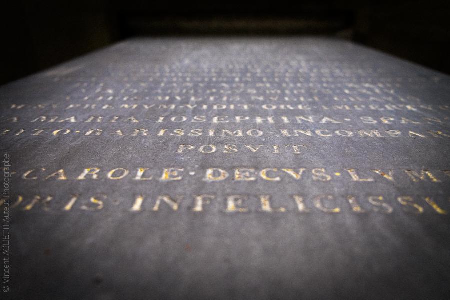 Ecrit d'une stèle du Père Lachaise.