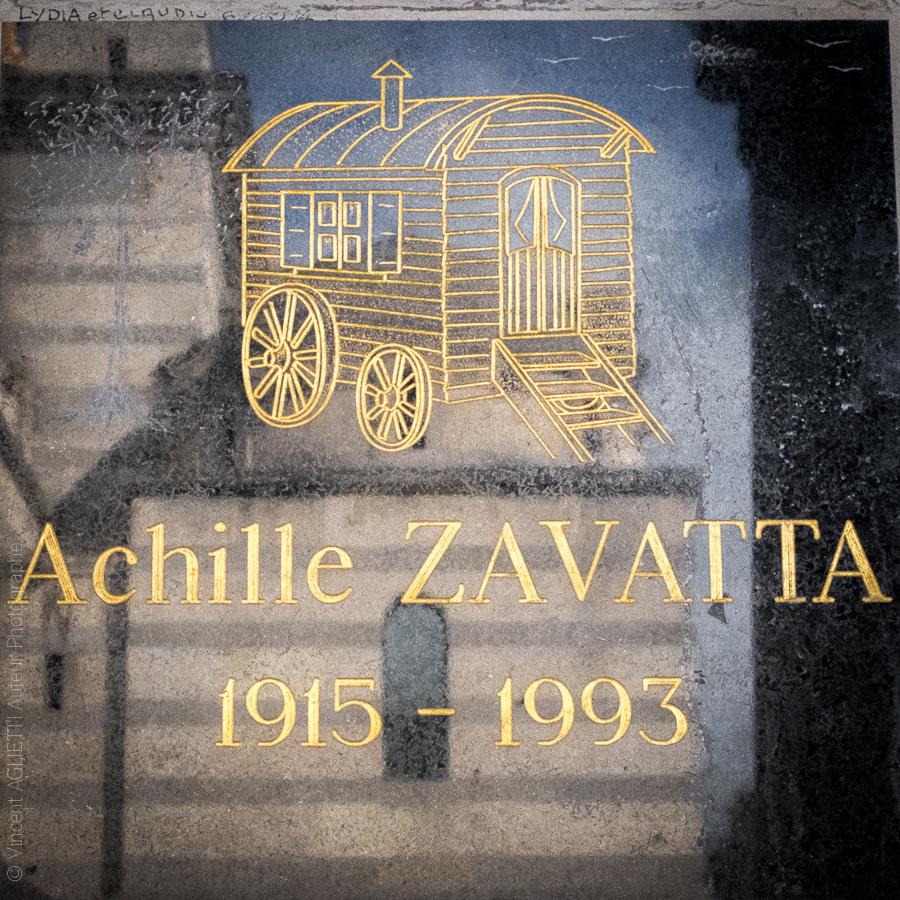 Colombarium du Père Lachaise. Le clown Achille Zavatta.