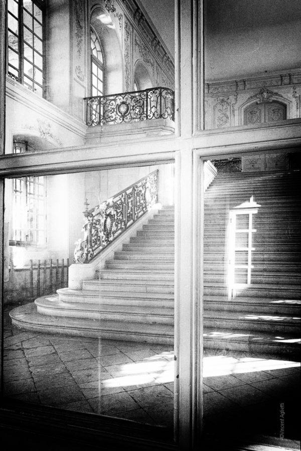 Les Marches du Palais. Le palais des ducs de Bourgogne.