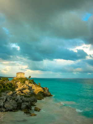 Tulum.Temple Maya sur la côte du Yucatan au Mexique.