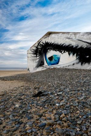 Blockhaus de la Manche.Sur la plage de Siouville en Normandie un blockhaus en temps de paix.
