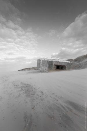 Blockhaus en Mer du Nord. Vestige d'une histoire passée.