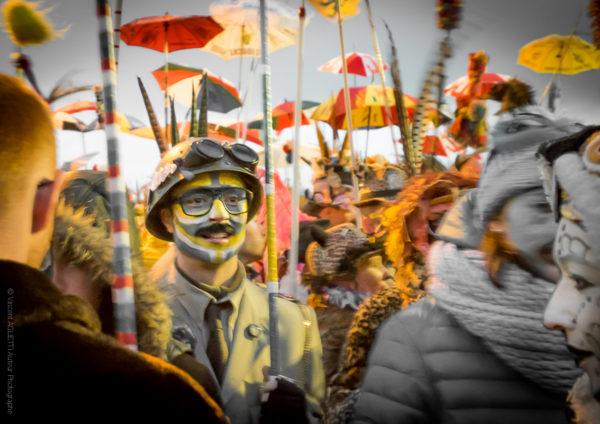 Soldat Rigodon.Un jeune carnavaleux dans le rigodon.