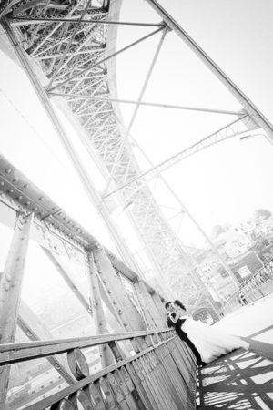 Pont des Soupirs. Il faut du temps pour construire un pont entre deux rives et enfin le trouver beau.