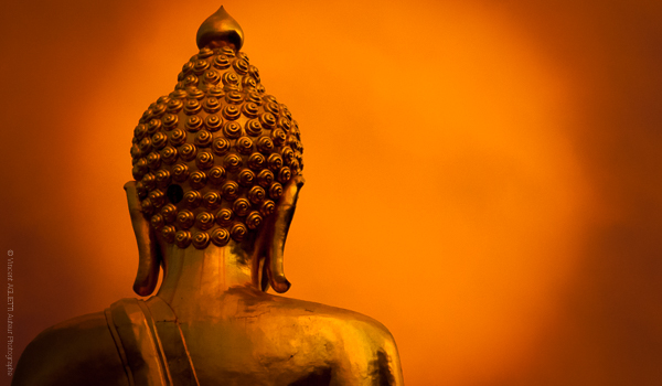 La vie devant soi. Le Bouddha du Triangle d'Or regardant l'horizon.