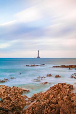 Phare de Goury. Un phare à la pointe extrême du Cotentin.