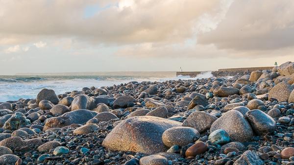 Galets Humides.La marée descendante après l'orage.