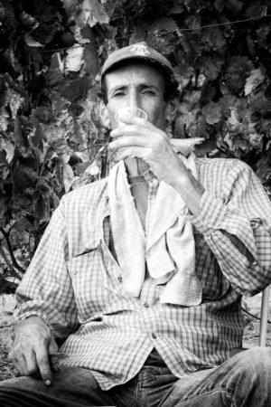 In vino veritas. Dernier repas autour d'un verre de vin de l'Alentejo.
