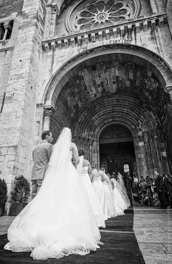 Mariages de la Saint-Antoine. La coutume annuelle de la Saint Antoine à Lisbonne.